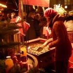 Weihnachtsmandelrösterei auf dem Osnabrücker Weihnachtsmarkt