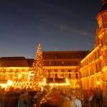 Weihnachtsmarkt auf dem Düsseldorfer Marktplatz